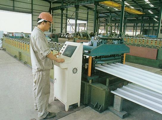 彩鋼板生產線